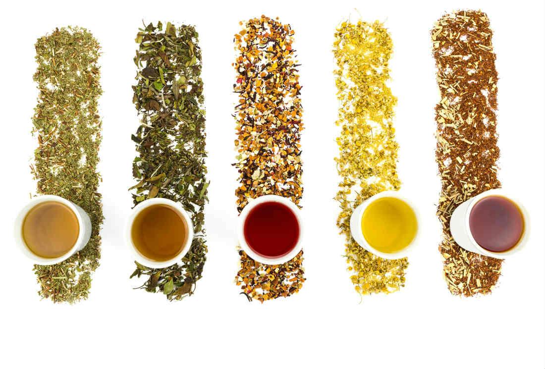 Thé vert, thé noir, thé blanc, thé oolong… D'où viennent les couleurs de thé ?