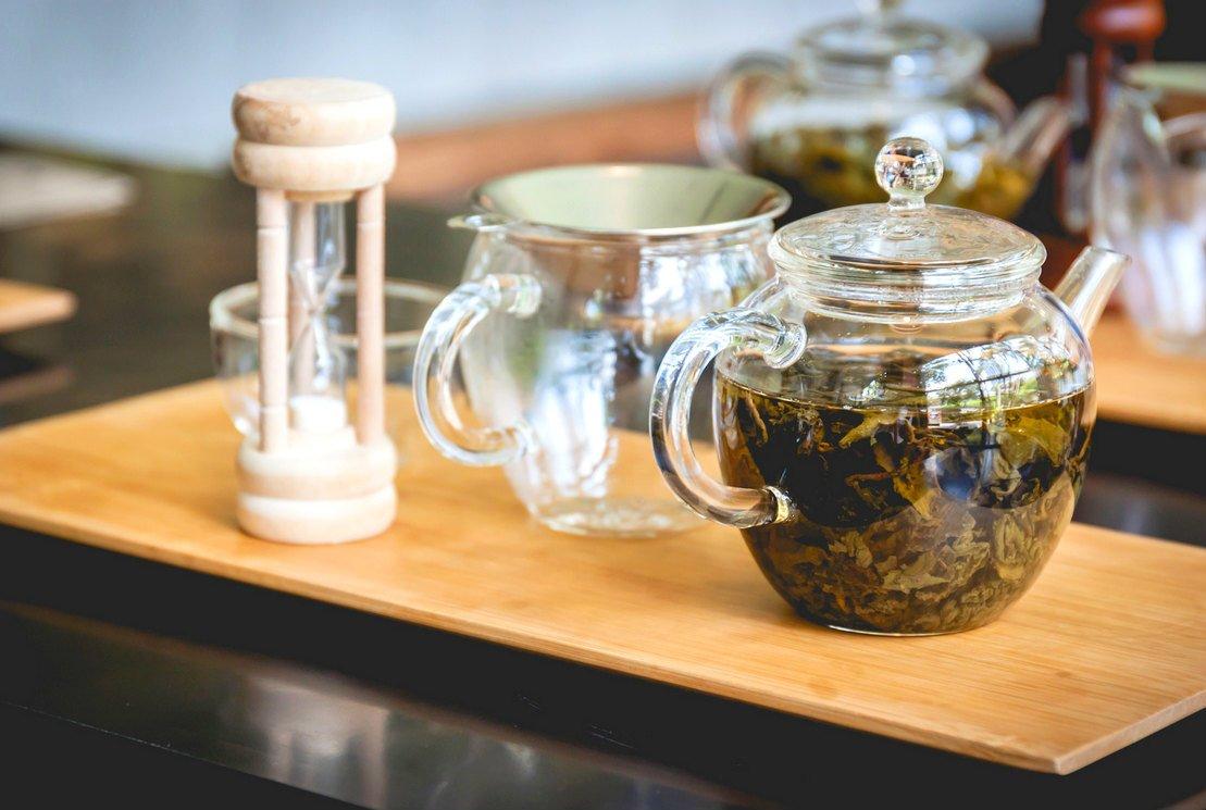 Les accessoires de thé indispensables à la dégustation