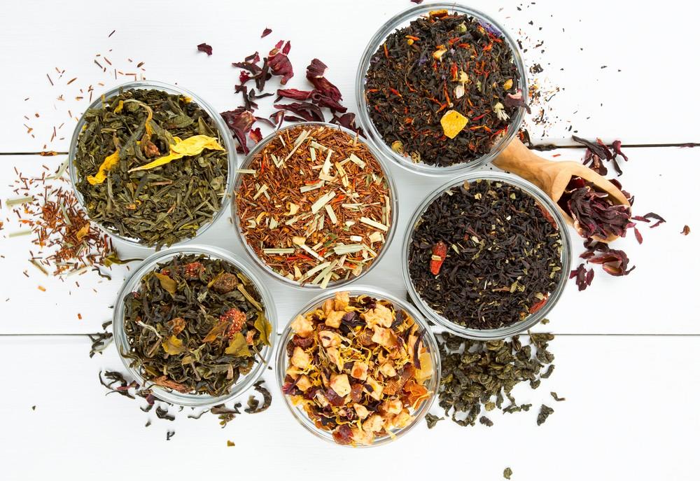 Thés aromatisés, fruités : fabrication, arômes, quelles sont leurs spécificités ?
